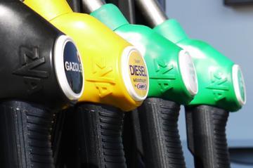 Benzineprijs bereikt nieuw record