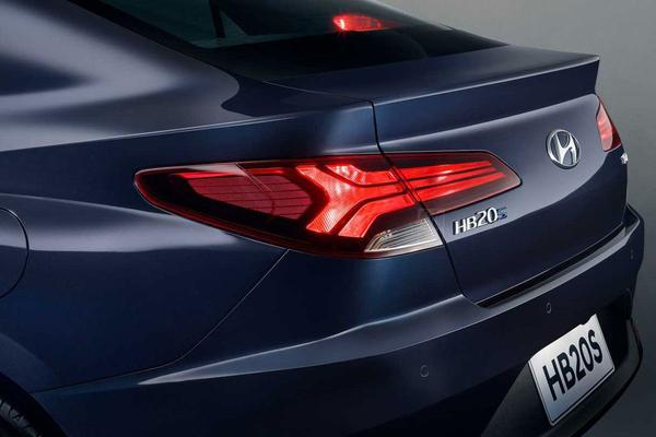Hyundai toont stukje HB20S