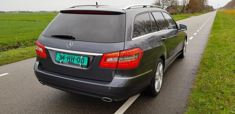 Mercedes-Benz E 350 CDI BlueEFFICIENCY Estate Avantgarde (2010)