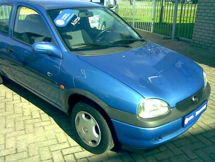 Opel Corsa 1.2i-16V Strada (2000)