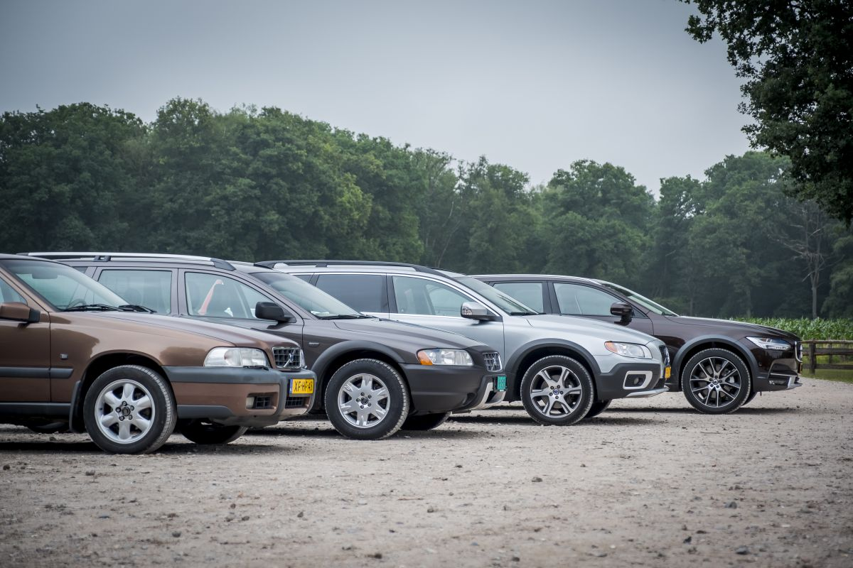 4 generaties Volvo Cross Country