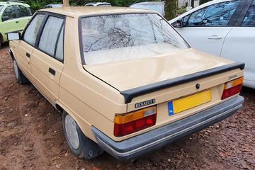 Renault 9 (1986) - In het Wild