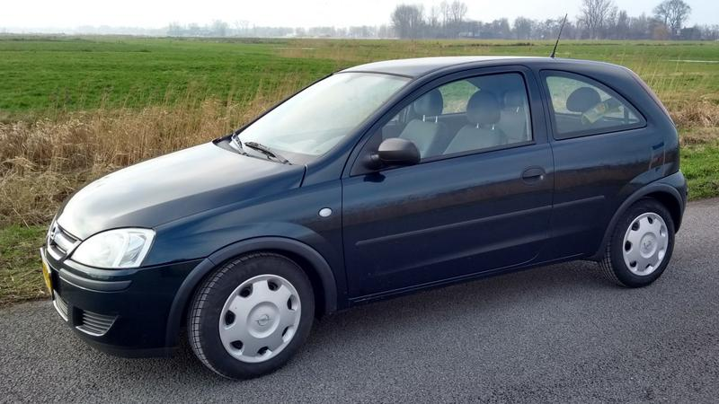 Opel Corsa 1.2-16V Enjoy (2004)