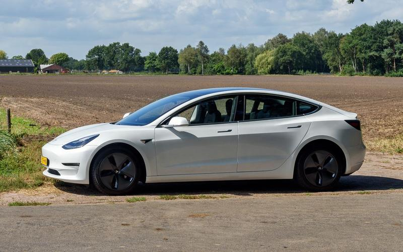 Tesla Model 3 Long Range AWD (2020)