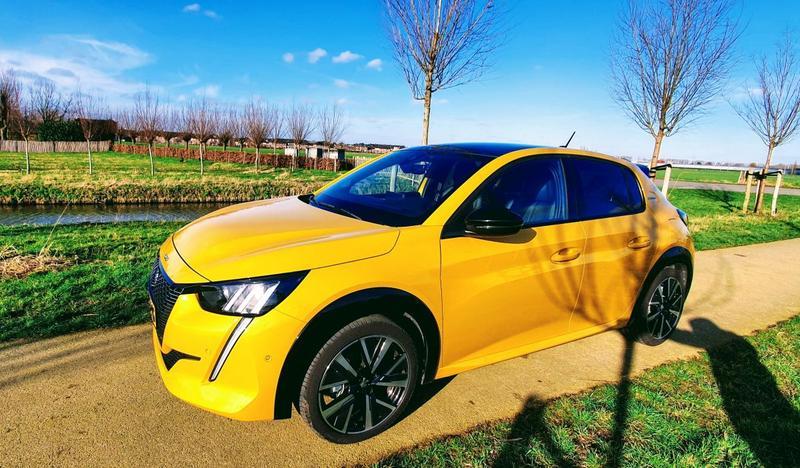 Peugeot 208 GT-Line 1.2 PureTech 100 (2019)