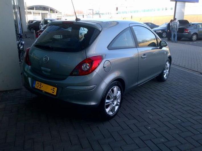 Opel Corsa 1.2 Cosmo (2012)