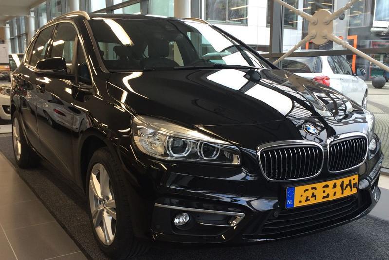BMW 225xe Active Tourer (2015)