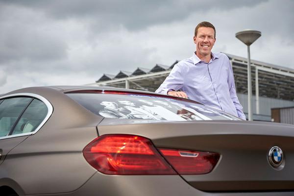 Video: Wat weet ondernemer Raymond van Vliet over auto's? - Quiz