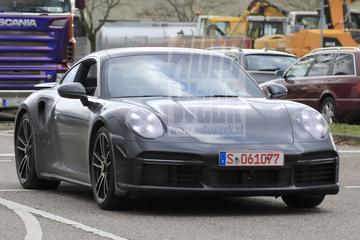 Nieuwe Porsche 911 Turbo (S) duikt op