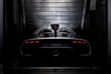 Achterzijde Mercedes-AMG Project One in beeld