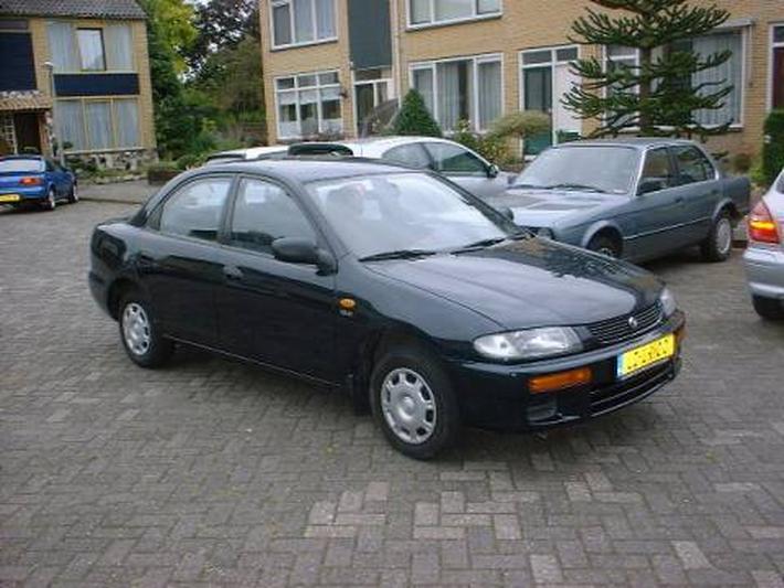 Mazda 323 1.5i GLX (1995)