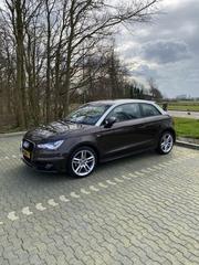 Audi A1 1.2 TFSI S-Edition (2011)