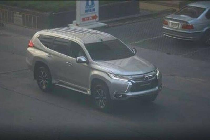Mitsubishi Pajero Sport duikt ongecamoufleerd op