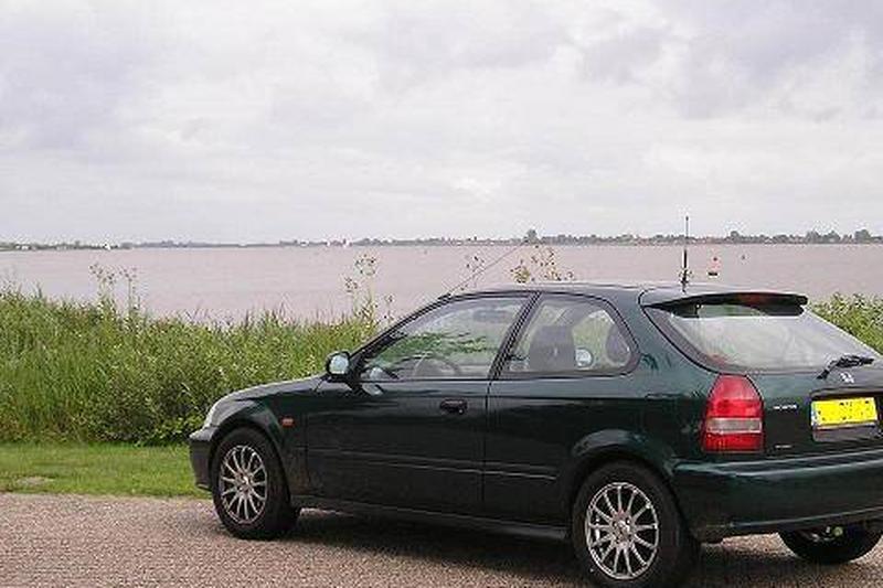 Honda Civic 1.5i VTEC-E (1999)