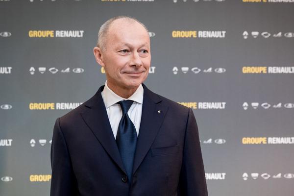 Renault zet CEO aan de kant