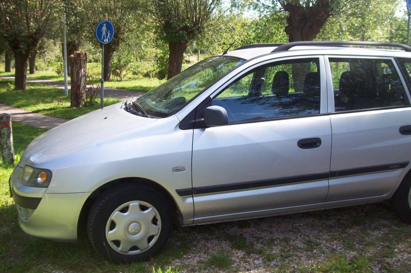 Mitsubishi Space Star 1.6 Family (2002)