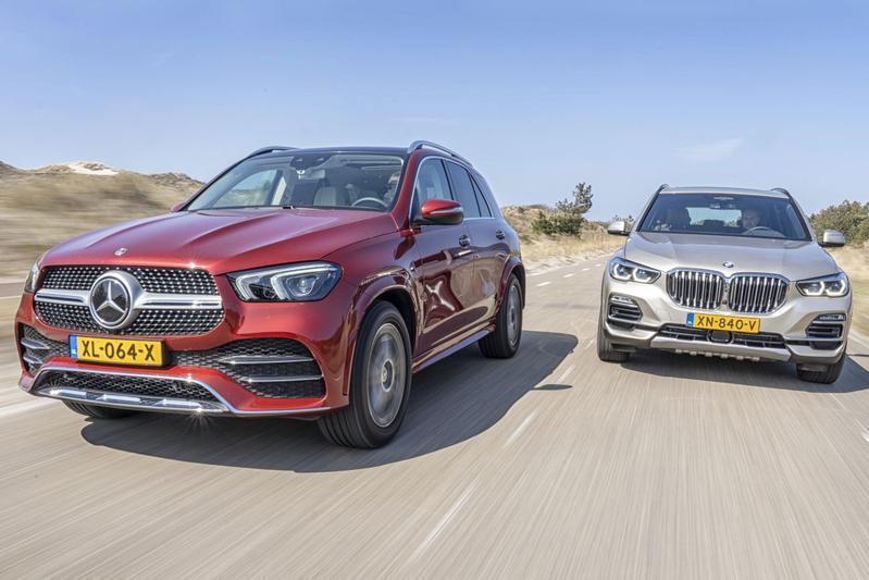 SUV premium Mercedes-Benz GLE BMW X5