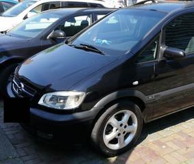 Opel Zafira 2.2 DTi-16V Comfort (2005)