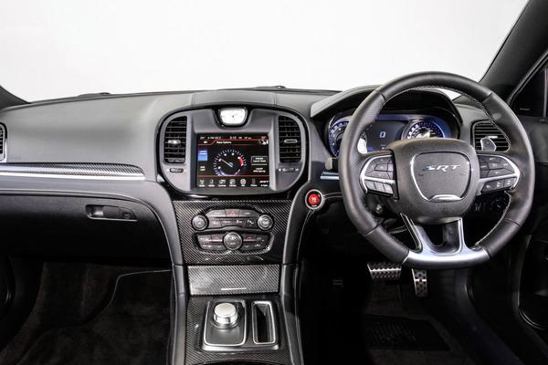 Dodge en Chrysler stoppen met rechtsgestuurd