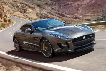 Vierwielaandrijving en handbak voor Jaguar F-Type