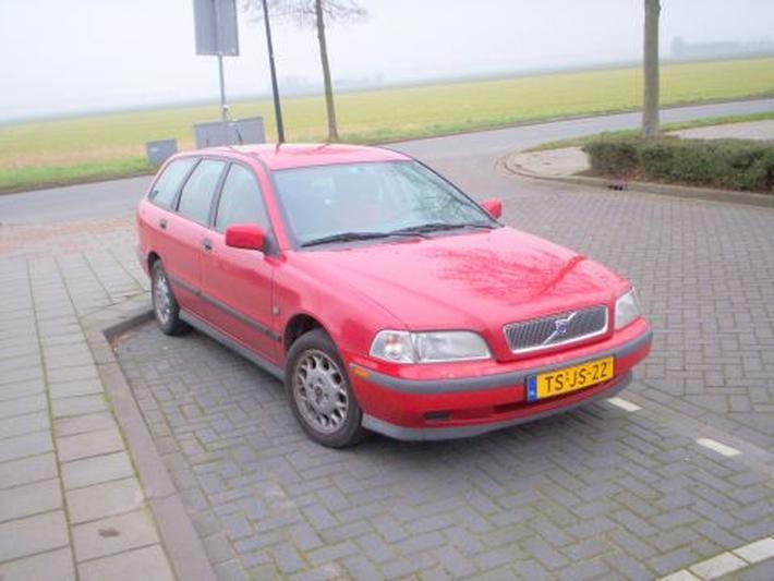 Volvo V40 1.8 Comfort-Line (1998)