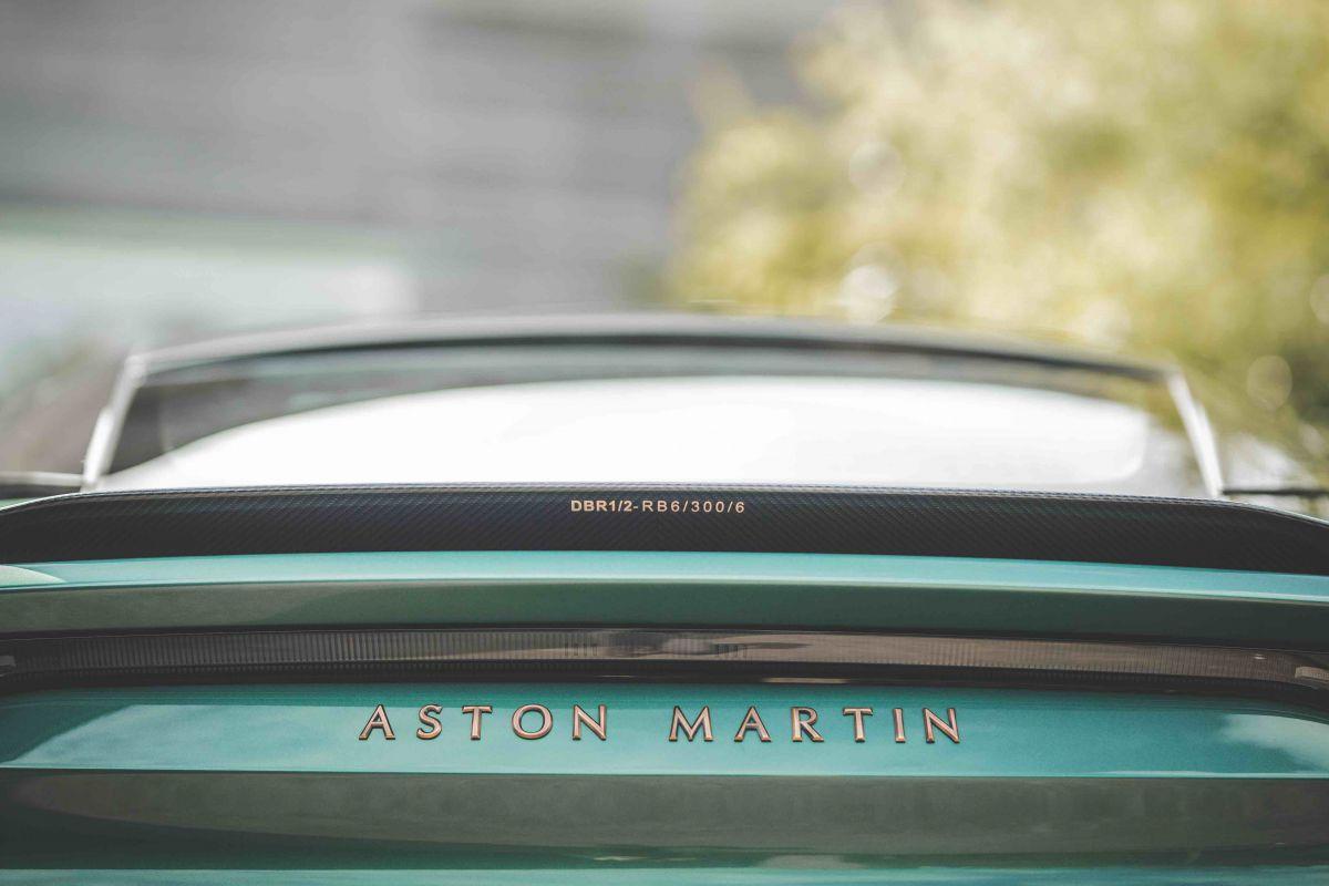 Aston Martin DBS Superleggera DBS 59