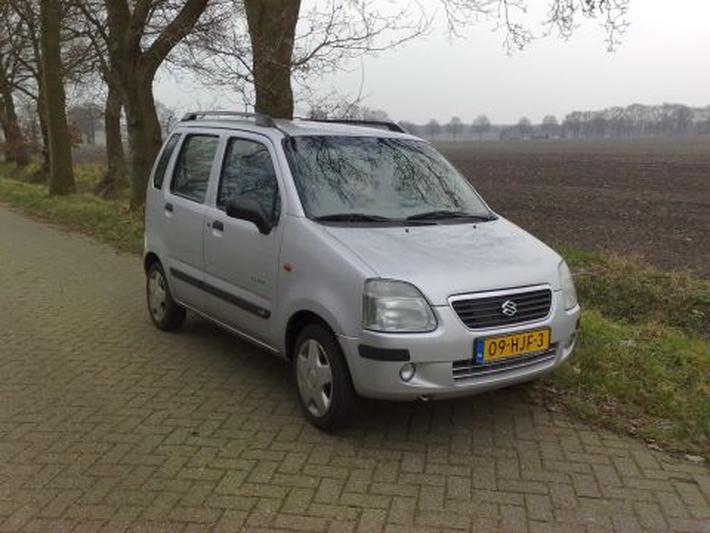 Suzuki Wagon R+ 1.3 GL (2001)