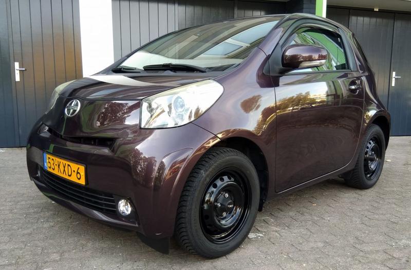 Toyota iQ 1.0 VVT-i Aspiration (2010)