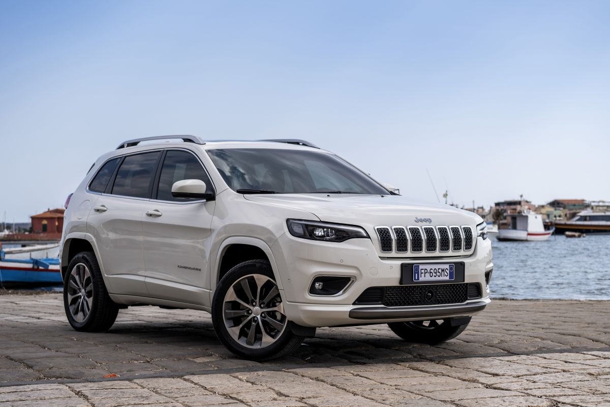 2016 - [Jeep] Cherokee restylé - Page 2 D1nyqqfbm0o9