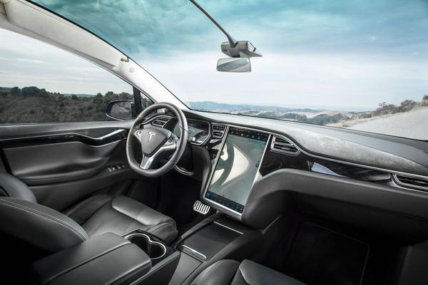 'Tesla moet Autopilot verbeteren'