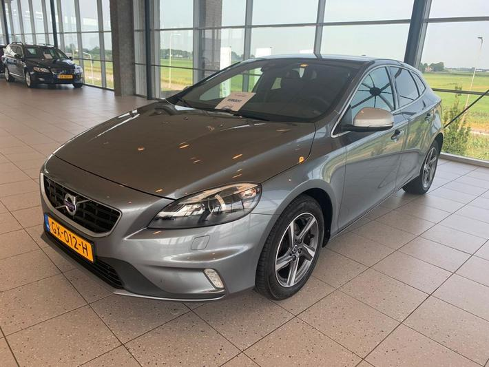 Volvo V40 D2 Business R-Design (2015)