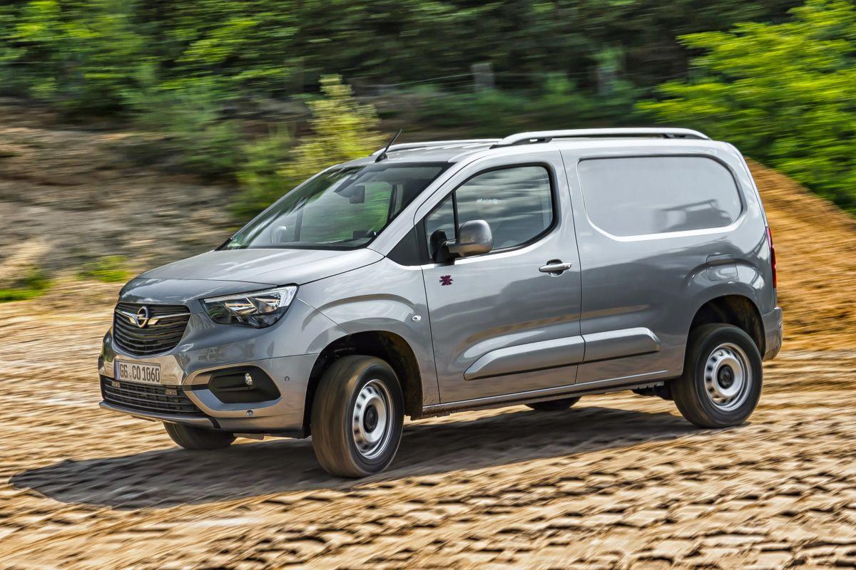 2018 - [Peugeot/Citroën/Opel] Rifter/Berlingo/Combo [K9] - Page 8 D7eydrsbnf4s