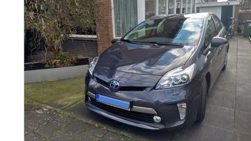 Toyota Prius 1.8 Plug-in Hybrid Executive Business (2013)