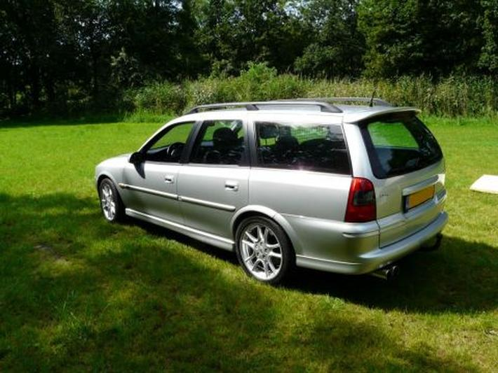 Opel Vectra Stationwagon 1.8i-16V Sport Edition (2000)