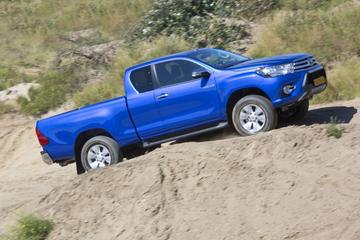 Toyota Hilux 2.4 D-4D 4WD Xtra Cabine Professional