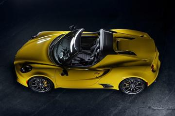 Alfa Romeo 4C Spider nu officieel onthuld