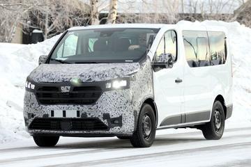 Vernieuwde Renault Trafic betrapt