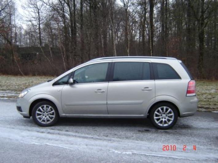 Opel Zafira 1.9 CDTi 150pk Cosmo (2006)