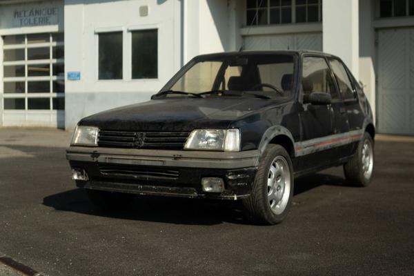 Peugeot gaat zelf 205 GTI's restaureren