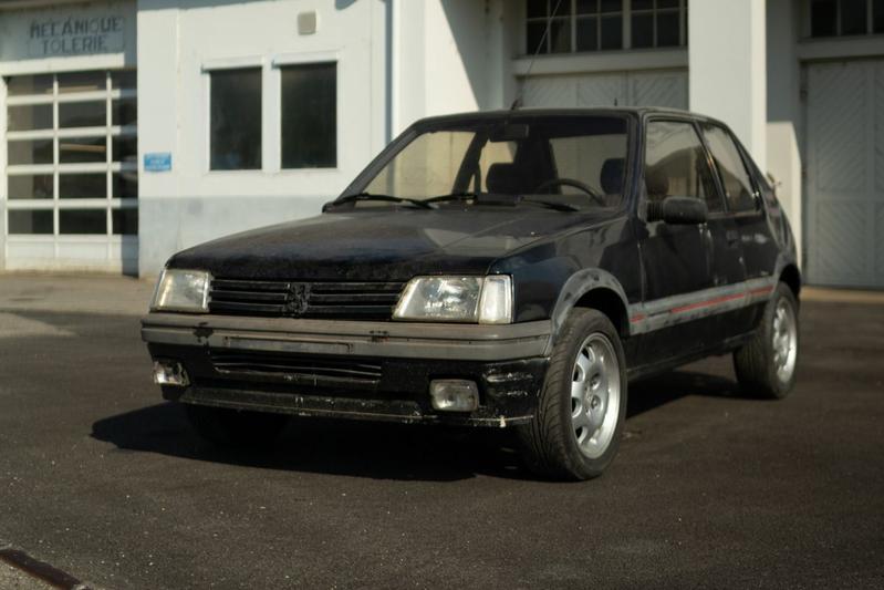 Peugeot 205 restauratie l'Aventure Peugeot