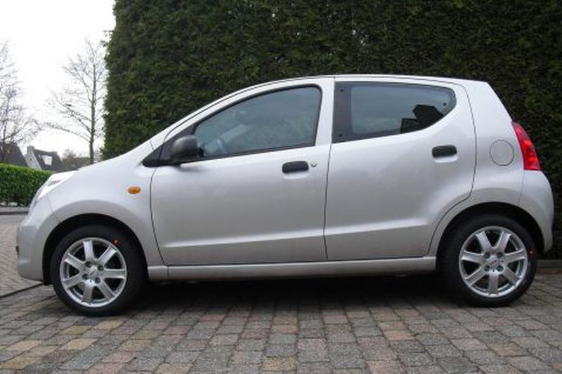 Goede Suzuki Alto 1.0 Comfort (2010) review - AutoWeek.nl CY-02