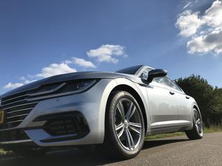 Volkswagen Arteon 2.0 TDI 150pk Business R (2017)