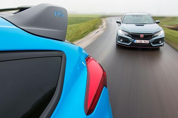 Video: Ford Focus RS vs. Honda Civic Type R - Dubbeltest