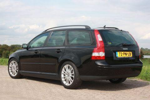 Volvo V50 2.0D Momentum (2004) - AutoWeek.nl