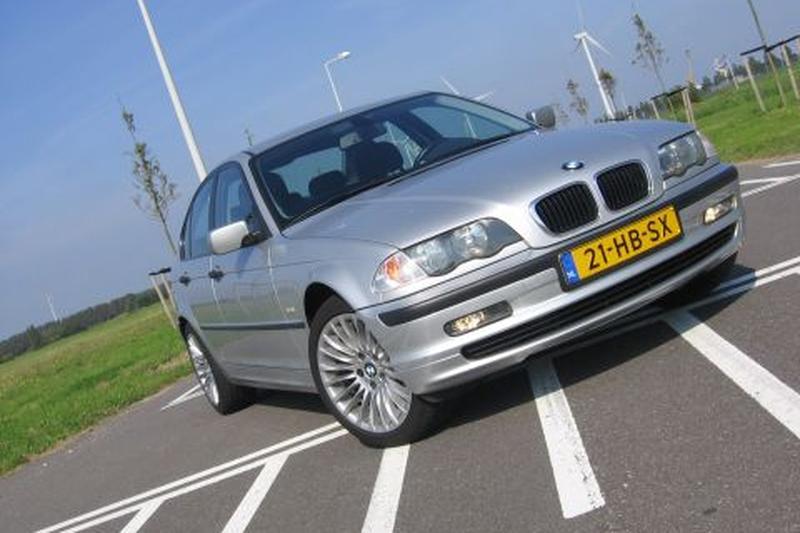 BMW 318i Executive (2001)