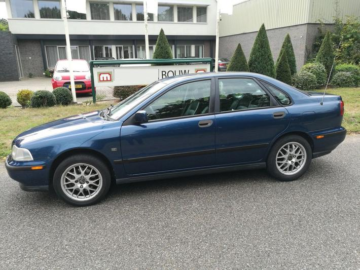Volvo S40 1.8 Europa (1997)