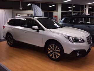 Subaru Outback 2.0D Premium (2015)
