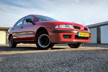 Mitsubishi Carisma 1.6 Classic (2001)
