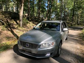 Volvo V70 D4 Momentum (2014)