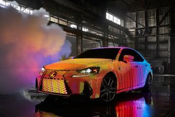 Lexus IS met 41.999 ledjes